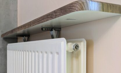 Radiator shelf bracket kinga